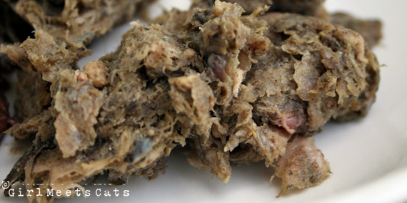 Should I Feed Tripe to Cats and Dogs? | The awesomeness of tripe and how cats and dogs love it. | girlmeetscats.com